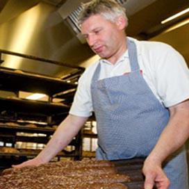 Bakker Nollen opent winkel in Borculo