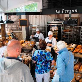 Le Perron begint eigen winkel in Bussum