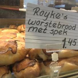 Royke's worstenbroodjes vliegen bakkerij uit