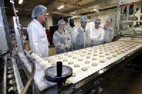 Bakkersland werft uitzendkrachten met caf