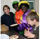 Bakkerij Verba krijgt hulp van zwarte pieten