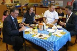 Banketbakker Piet Ritmeester debuteert met schoolontbijt