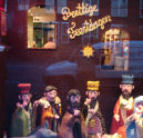 Bakker Van Wijngaarden pronkt met kerstetalage