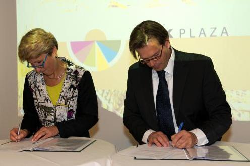 Riskplaza en NVWA ondertekenen convenant