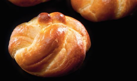 Plaited brioches