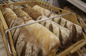 In de Vegansuper is ook brood te krijgen. Foto: Jan Willem van Vliet