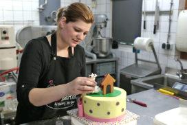 Lisette Bisschop maakt fondanttaarten in samenwerking met Bakkerij Job