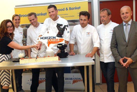 Robin Hoedjes opent nieuwe bakkerij Horizon College