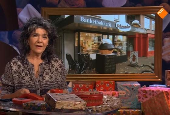 'Banketbakkkerij Schrander' met Sinterklaasbrood in journaal