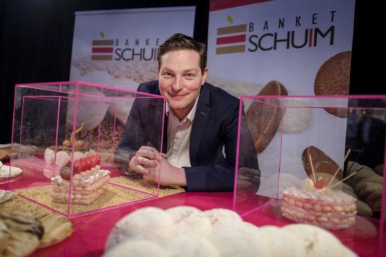 8 jaar bestaat het bedrijf Banket Schuim van Maikel Klaassen en zijn vader Leon. Het levert onder private label schuimplakken in tal van maten en smaken, vooral aan de retail en horeca (95%), maar ook aan ambachtelijke bakkers.  (C) Roel Dijkstra / Joep van der Pal
