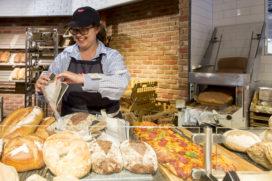 Boon's Markt betrekt brood van drie bakkers