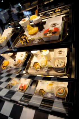 Het thema All Time Favorites met de Fast Chocolate Meal deal Dobla's frietjes, de Donut en Cookie Topper en de Chic-Shake (de stijlvolle variant van de Freakshake.