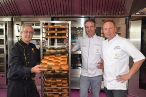 Echte Bakkers krijgen les van drie Meesters Boulanger