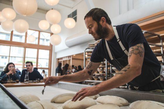 Met de nieuwe virtuele bakkerijtours kunnen bezoekers zich onderdompelen in succesvolle bakkerijen over de hele wereld. Een van de bakkerijen is de Tartine Bakery van Chad Robertson in San Francisco.   Foto: Tartine Bakery