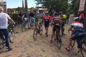Fotorepo: 130 deelnemers in actie bij Tour de Bakker