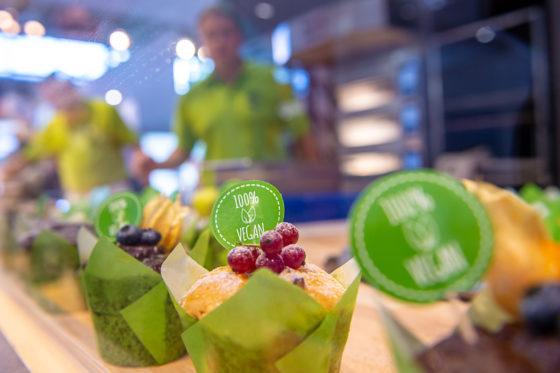 Backen goes vegan – am Stand der Firma Uniferm in der Halle B5 werden 100% vegane Backmischungen präsentiert. Rohstoffe und Backzutaten