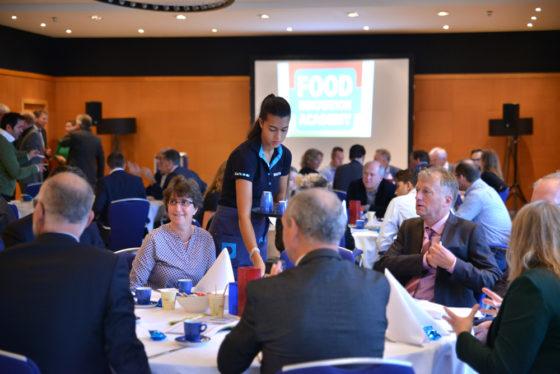 Het bereiken van het hoogste punt van de Food Innovation Academy is bereikt en gevierd met een feestelijk ontbijt voor alle betrokken foodpartijen en hun relaties in het Delta Hotel in Vlaardingen.
