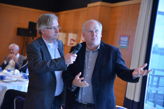 'De foodsector heeft kwaliteitsmensen op de werkvloer nodig, zoals procesoperators', stelt HR-manager Hans Buitelaar van FrieslandCampina. 'De Food Innovation Academy biedt daarvoor een oplossing. Daarom participeren wij hier een mee.'