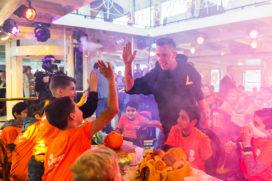 Dj Nicky Romero start 16e editie Nationaal Schoolontbijt met bootfeestje