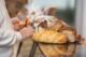 Steeds meer brood wordt buitenshuis gegeten
