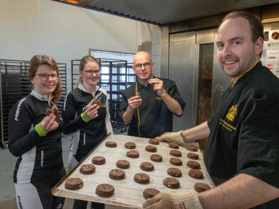 Bakker Meinders bakt Cookies voor Alpe d'Huzes Team Baan