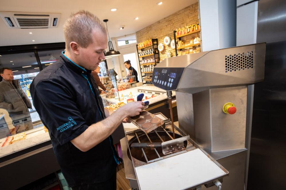 Automatische tempereermachine stuwt chocolade-omzet