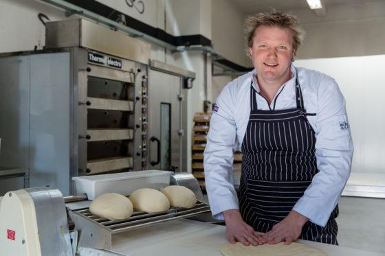 Eerste 100% plantaardige worstenbroodje gelanceerd