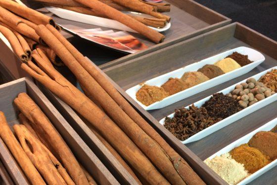 De firma Polak heeft de stand met oude vertrouwde ingrediënten eigentijds ingericht.