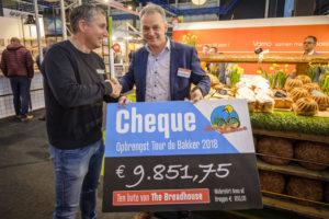 Bakkers fietsen €10.000 bij elkaar voor The Breadhouse