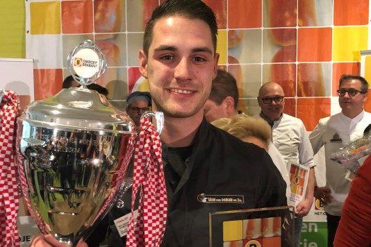 Lars van Dongen maakt het Lekkerste Brabantse Worstenbroodje