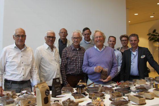 De juryleden en het ondersteunende team. Foto: Beko