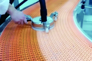 Nieuwe stoom-transportbandreiniger voor schakelbanden