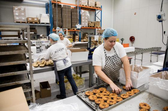 The Real Baker richt zich op productie van muffins, bagels en specialiteiten.