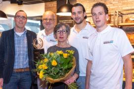 Bakker Ko van Daalen lanceert hefbrugkoekjes